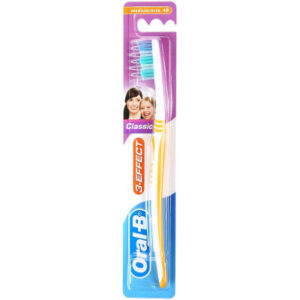 Oral-B Tandenborstel Classic 3-Effect 40 Medium